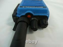 Motorola Xpr 6580 Is Digital Blue Deux-way Radios Lot De (2)deux Pour Les Pièces / Réparation