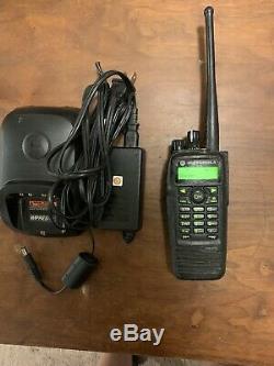 Motorola Xpr-6650 Uhf Two Way Radio Portable
