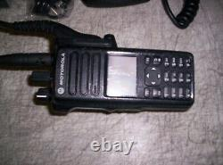 Motorola Xpr 7550e Radio À Double Sens Avecimpres Batt MIC & Charger Aah56rdn9wa1an