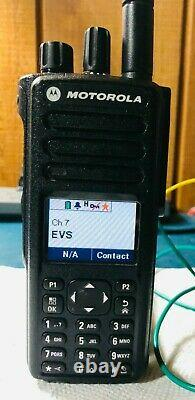 Motorola Xpr 7550e Uhf Digital Display Portable Radio Dans Les Deux Sens Aah56rdn9wa1an