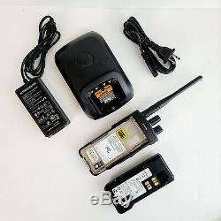 Motorola Xpr 7580e Radio Bi-bundle Avec Chargeur Voir Photos Et Description