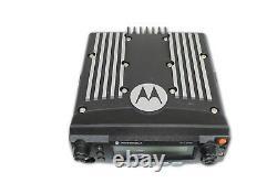 Motorola Xtl2500 P25 Digital 30 Watt 900 Mhz Radio, Tête Et Câble D'alimentation Seulement- Ham