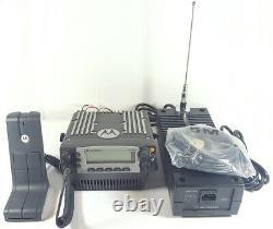 Motorola Xtl5000 Uhf 380-470 Mhz Station De Base P25 Radio Numérique M20qss9pw1an Xtl
