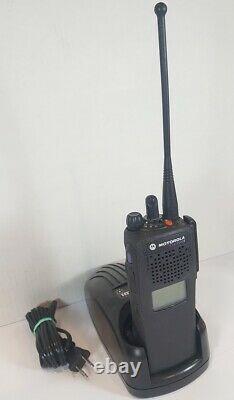 Motorola Xts2500 1,5 700/800 Mhz Smartzone Numérique P25 Adp Police Incendie Ems Radio