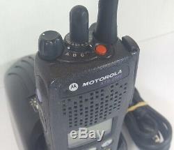 Motorola Xts2500 Uhf 380-470 Mhz Police Militaire D'incendie Ems Numérique À Deux Voies Radio