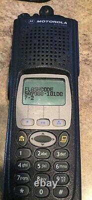 Motorola Xts 5000 800 Mhz Modèle 3 Avec Fpp Des-ofb/xl Dernier Micrologiciel New Antenna