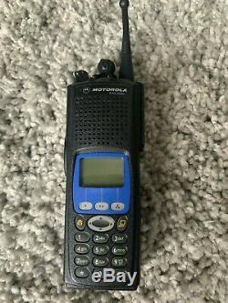 Motorola Xts 5000 Modèle III 700/800 Mhz Radio À Deux Voies Avec La Programmation