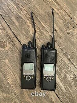 Motorola Xts 5000 Modèle II H18ucf9pw6an 700 / 800mhz Two Way Radio (lot Of 2)