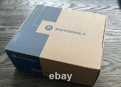 Nouveau Motorola Mottrbo Cp200d Professional Two-way Radio
