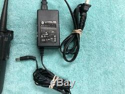 Paire Motorola Mototrbo Xpr Xpr6100 Uhf 6100 Radios Bidirectionnelles Avec Chargeur