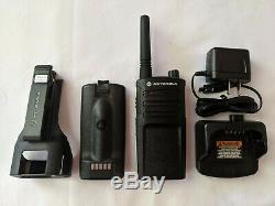Remis À Neuf Motorola Uhf Rmu2040 Radio Émetteur-récepteur 2 Watts 4 Canaux