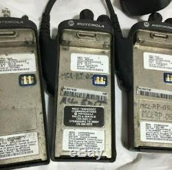 X5 Motorola Pr860 Aah45rdc9aa3an Deux Voies Radio Avec Pmmn4021a Micros